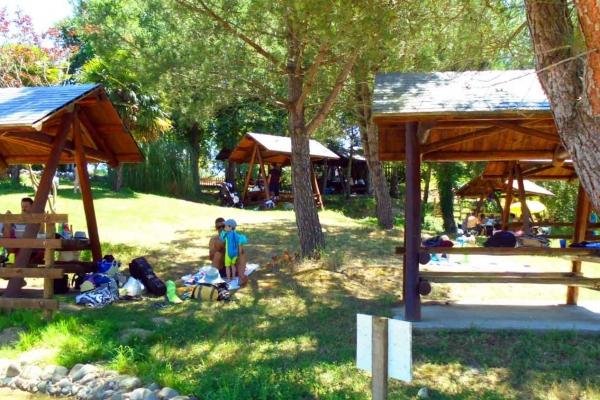 water-park-de-sames-air-pique-nique-9494ED527-488E-53C5-7E8A-1E5E4925D004.jpg
